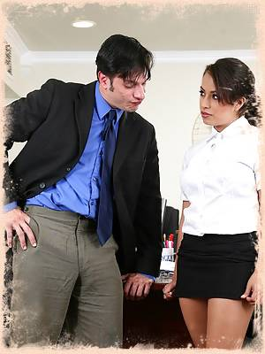 Naughty Secretary Pepper Foxxx Gets Fucked And Creamed On Her Desk