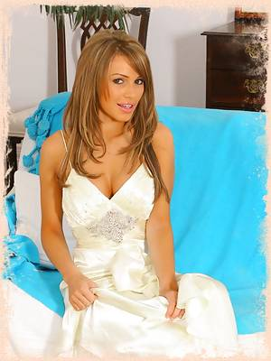 Gemma looks absolutely stunning in her cream evening gown.